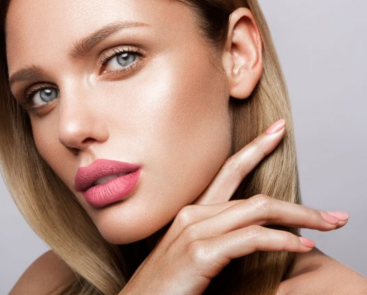 beautiful-young-model-with-pink-lips-nude-QFJN6SW.jpg